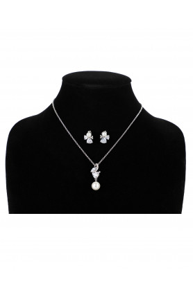 PEARL PENDANT WITH MATCHING EARRING SET B