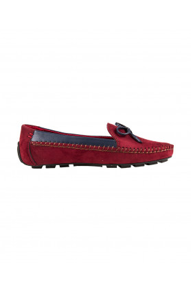LADIES MAROON MOCCASIN WITH RIBBON