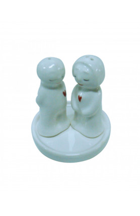 BOY & GAL PEPPER SHAKER WITH RED HEART (1 SET)